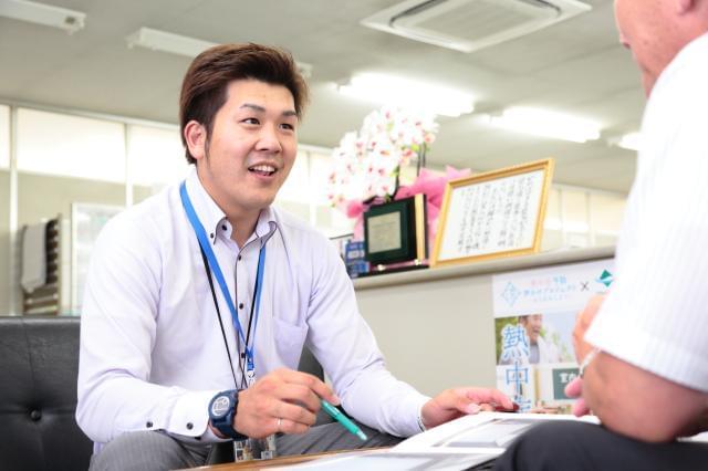[スタッフインタビュー]出会いを通じて、地元で働く楽しさを感じています!(営業/26歳/勤続2年)