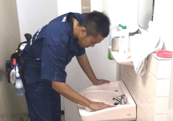 当社は東京都江戸川区東葛西にある清掃会社。19年の間、地域密着企業として着実な成長を続けています。