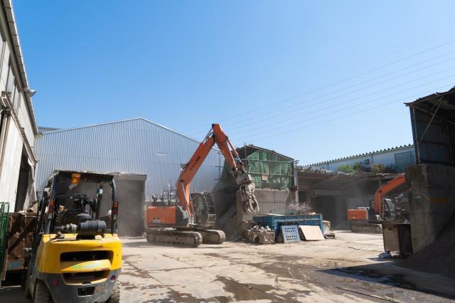 複数職種同時募集 産業廃棄物処理業のプロフェッショナルを目指せる 人材を業界問わず幅広く募集中です。