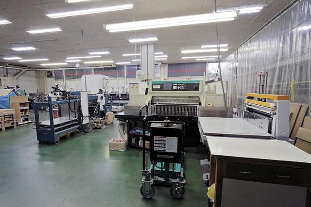 工場内もリニューアル! 新たな機械を入れるとともに、明るく作業しやすい環境を整えました!