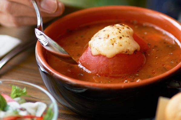 リゾットまたはパン付きのおいしいスープを無料で食べられるのもうれしいメリットです♪